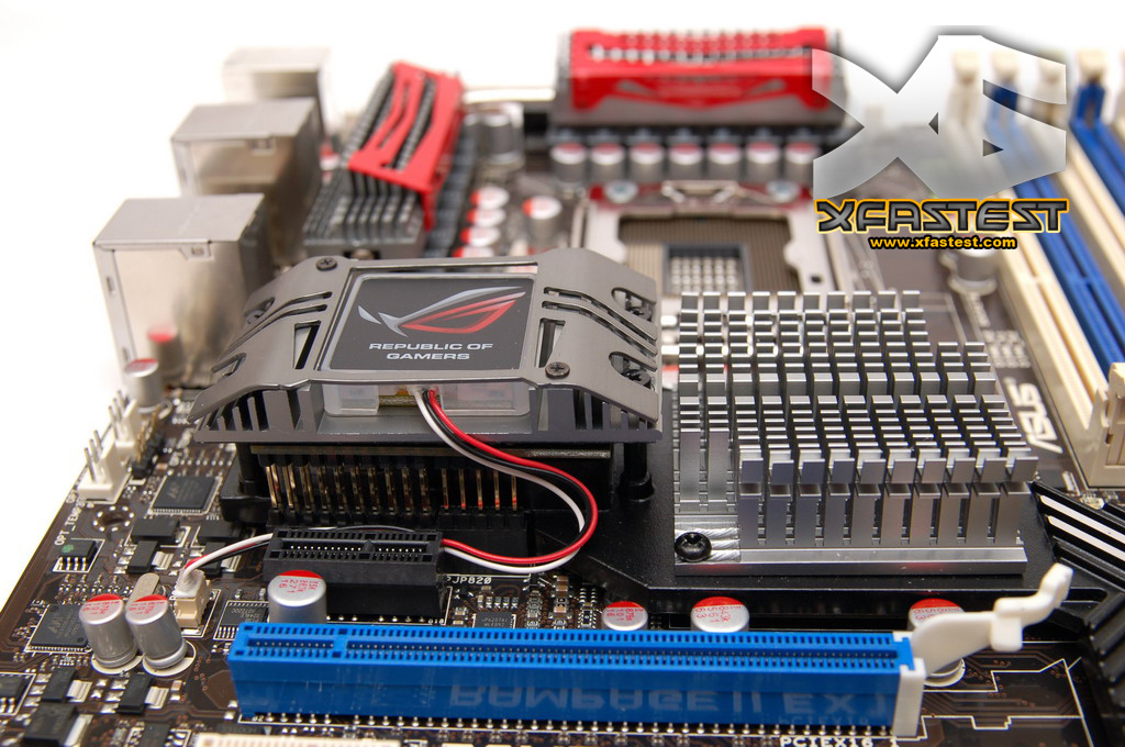 http://pic.xfastest.com/MB/ASUS/RAMPAGE%20II%20EXTREME/r2e-23.jpg